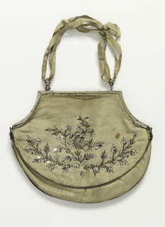 Melon-shaped purse of white silk moire with steel ornaments and steel frame.
