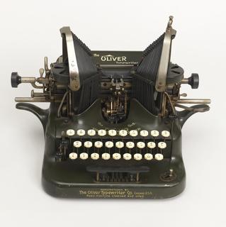 No. 5 Oliver Standard Visible Typewriter Typewriter